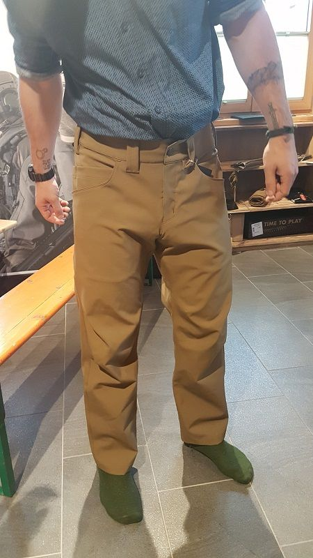 SHOT Show  2019, Arc'teryx LEAF introduces the ATOM LT GEN 2 hooded jacket, ATOM LT GEN 2mid layer pant and XFUNCTIONAL AR GEN 2durable casual nylon/cotton pant. tacticalgear