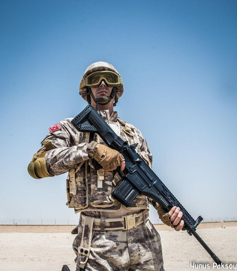 MPT-76 on Turkish soldier deployed in Qatar.