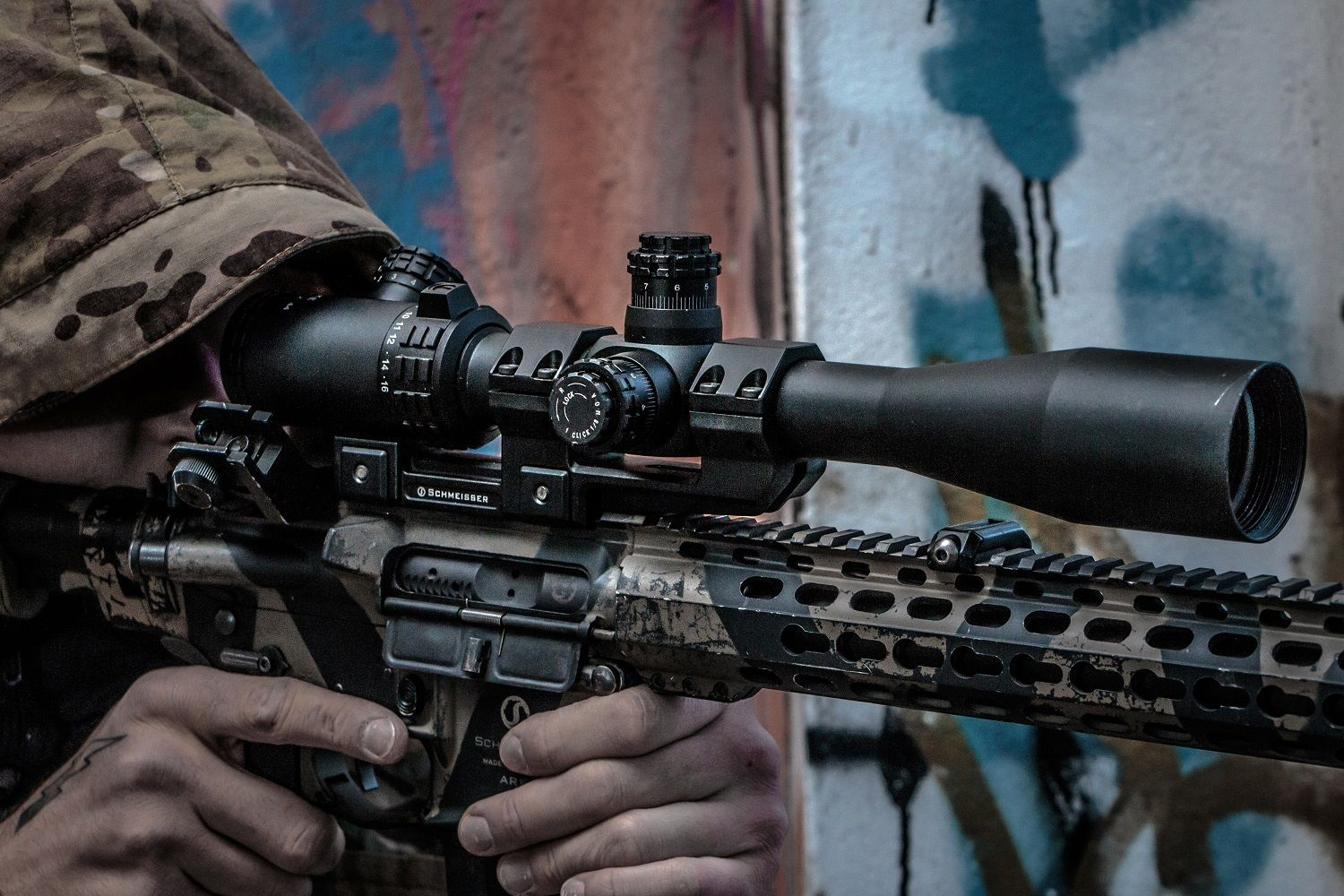 Ideal for everyone who shoots freehand at lower magnification levels but wants to be able to shoot accurately at long ranges as well, the Falke TAC Series 4-16x44 is suitable for all magnum calibres, but its magnification and parallax compensation also make it popular for .22 LR rifles. (Photo: Falke)