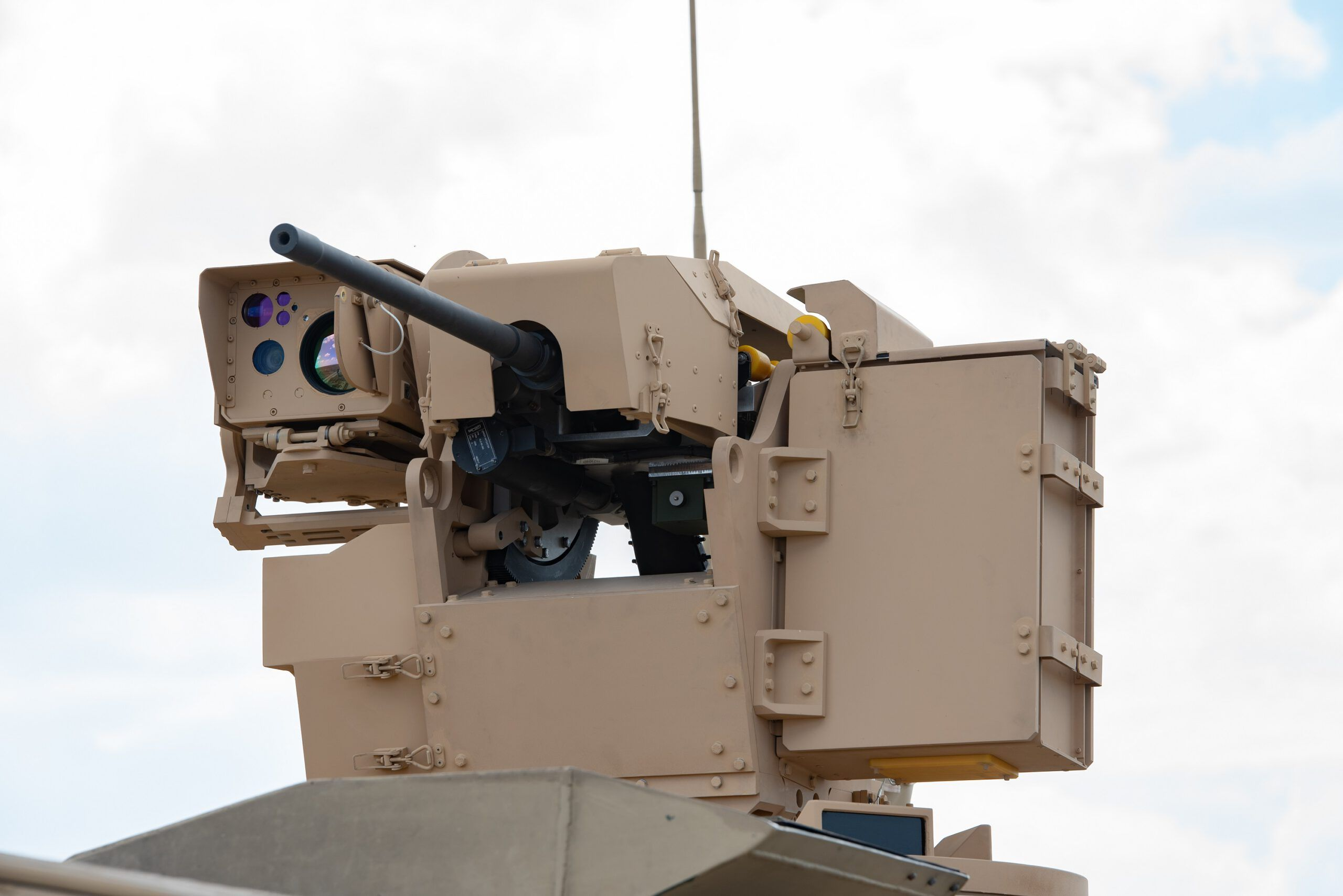 FNSS is displaying for the first time at IDEF'19 its new Remote-Controlled Weapon System (RCWS), which stands out in its class with distinctive technical specifications and ballistic protection. The qualification phase of the RCWS was completed in December 2018, and serial production was launched soon afterwards. The first customer of the system will be a foreign user.